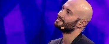 Câte femei a sărutat Mihai Bendeac pe scena iumor