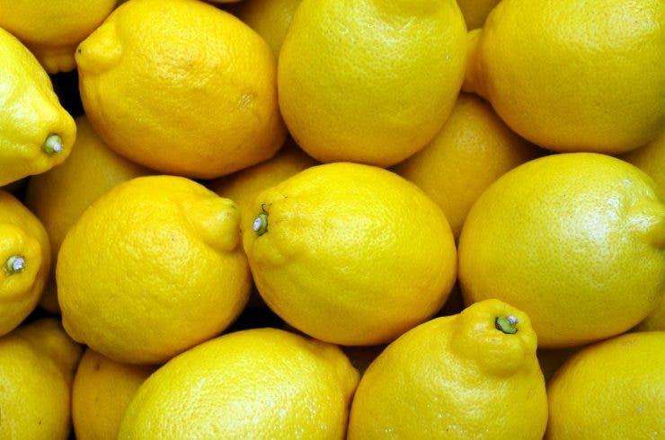 Lămâia în treburile casnice. Cum poți utiliza acest fruct și ce rezultate vei obține