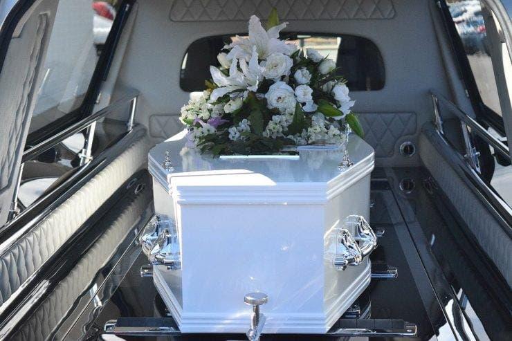 Cât costă înmormântarea