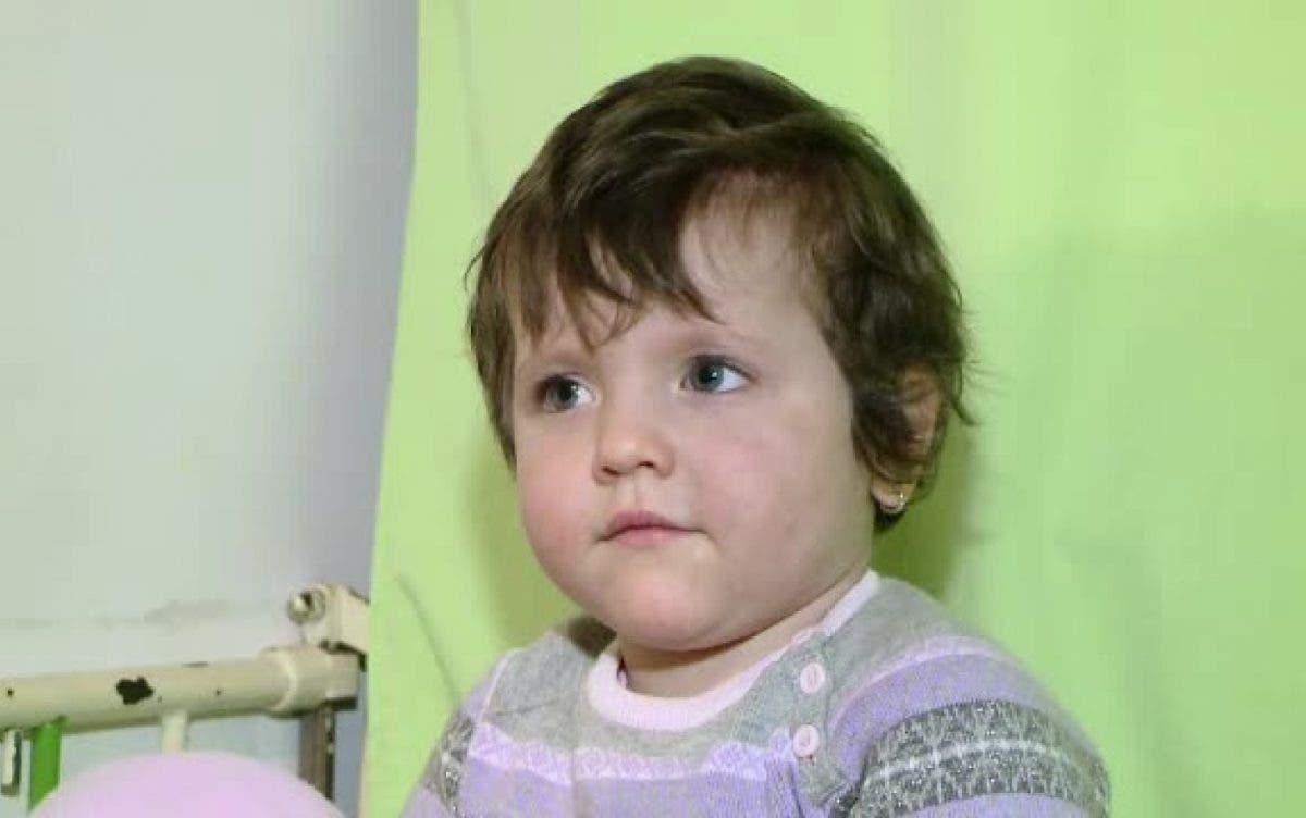 Cum arată acum Florentina, fetița care a fost hrănită ani de zile doar cu pufuleți și ceai (FOTO)