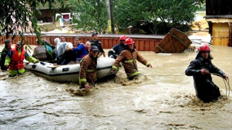 Inundatiile au facut prapad