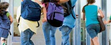 Mini-vacanță de patru zile pentru elevi