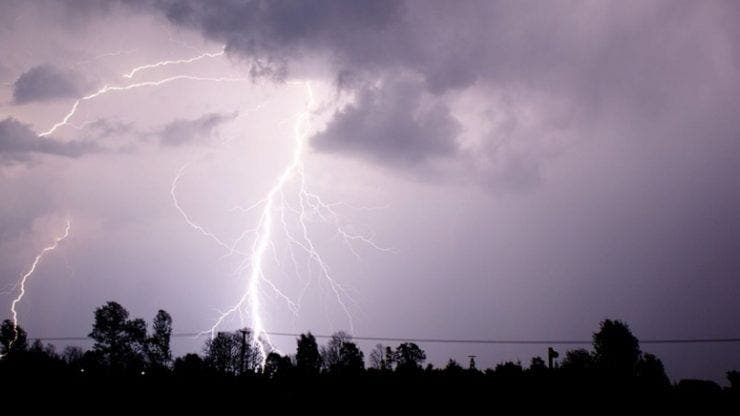 Vremea în România, 2 iunie. Meteorologii anunță vreme instabilă și rece în toate regiunile țării