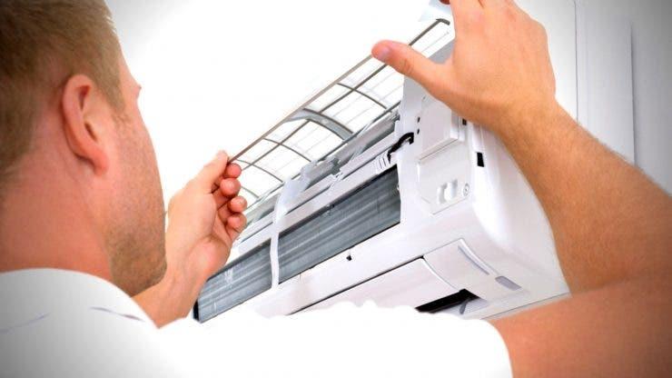 Cum îți cureți aparatul de aer condiționat