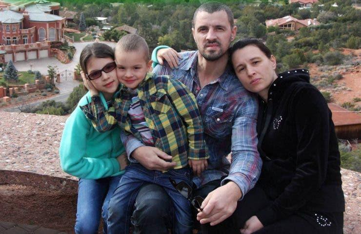 Pavel Stratan, soția și copiii