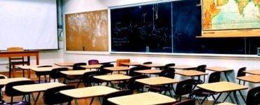 Redeschidea scolilor