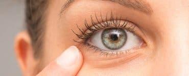 Scapă de pungile de sub ochi