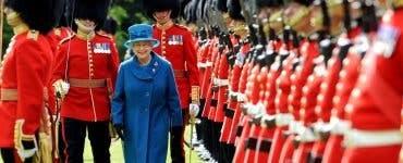 Turnul Londrei anunță concedieri în rândul celebrilor gardieni beefeaters. Nu s-au mai făcut concedieri de 500 de ani