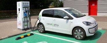 Cat ne costa sa încărcam o mașină electrică în Romania