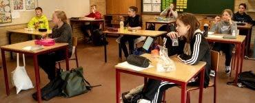 Se amână deschiderea școlilor?