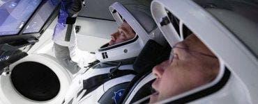 Capsula lansată de SpaceX revine pe Pământ după două luni de trai în afara atmosferei. Visul lui Musk a devenit realitate