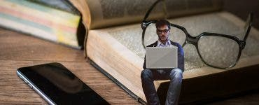 Cititul aduce beneficii pe care tehnologia nu le-a oferit niciodată. Care sunt titlurile din topul celor mai citite cărți în România