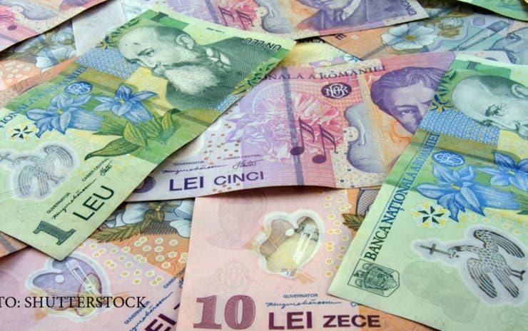 Românii vor beneficia de bani în plus începând din toamnă. Guvernul a probat legea