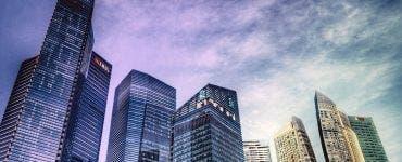 S-a început construcția celor mai înalți zgârie nori din lume. Singapore folosește cutii prefabricate din beton