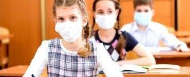 Sancțiuni dure pentru elevii fără mască