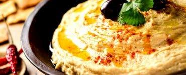 Trei rețete delicioase care conțin humus