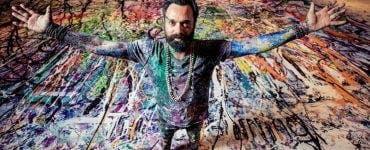 Un artist britanic lucrează la cea mai mare pictură din lume. Cât de mare va fi aceasta și pentru ce a fost făcută