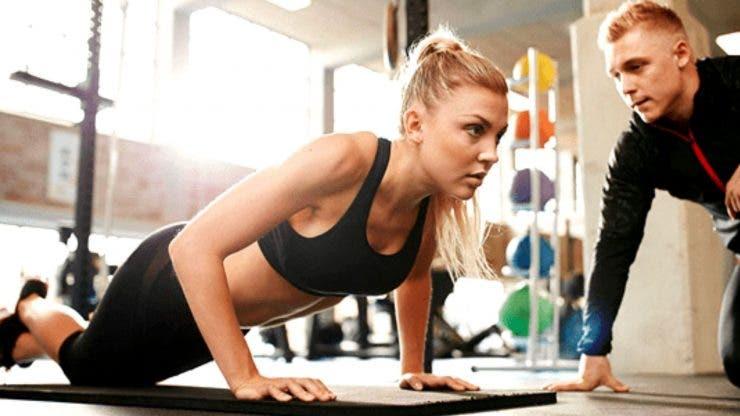 antrenor de fitness