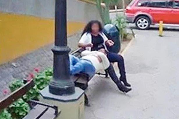 Un bărbat a aflat că e înșelat de soție din greșeală! Era cu telefonul în mână și se uita peste când a recunoscut-o! I-a cerut divorțul imediat