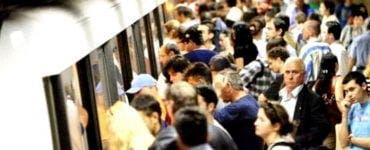 Ce salariu are un paznic care patrulează garniturile de metrou