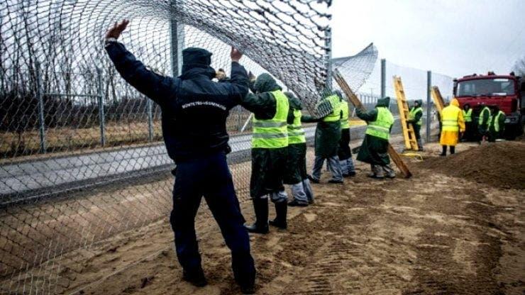 Imigranți bătuți cu cruzime de polițiștii de frontieră români