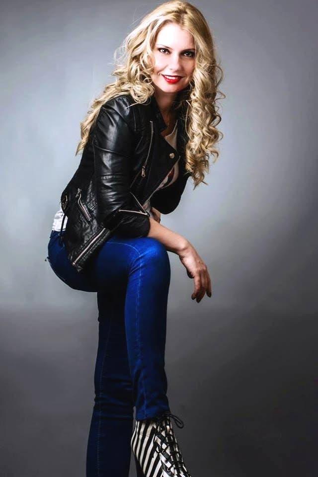 Geanina Petrescu modelling