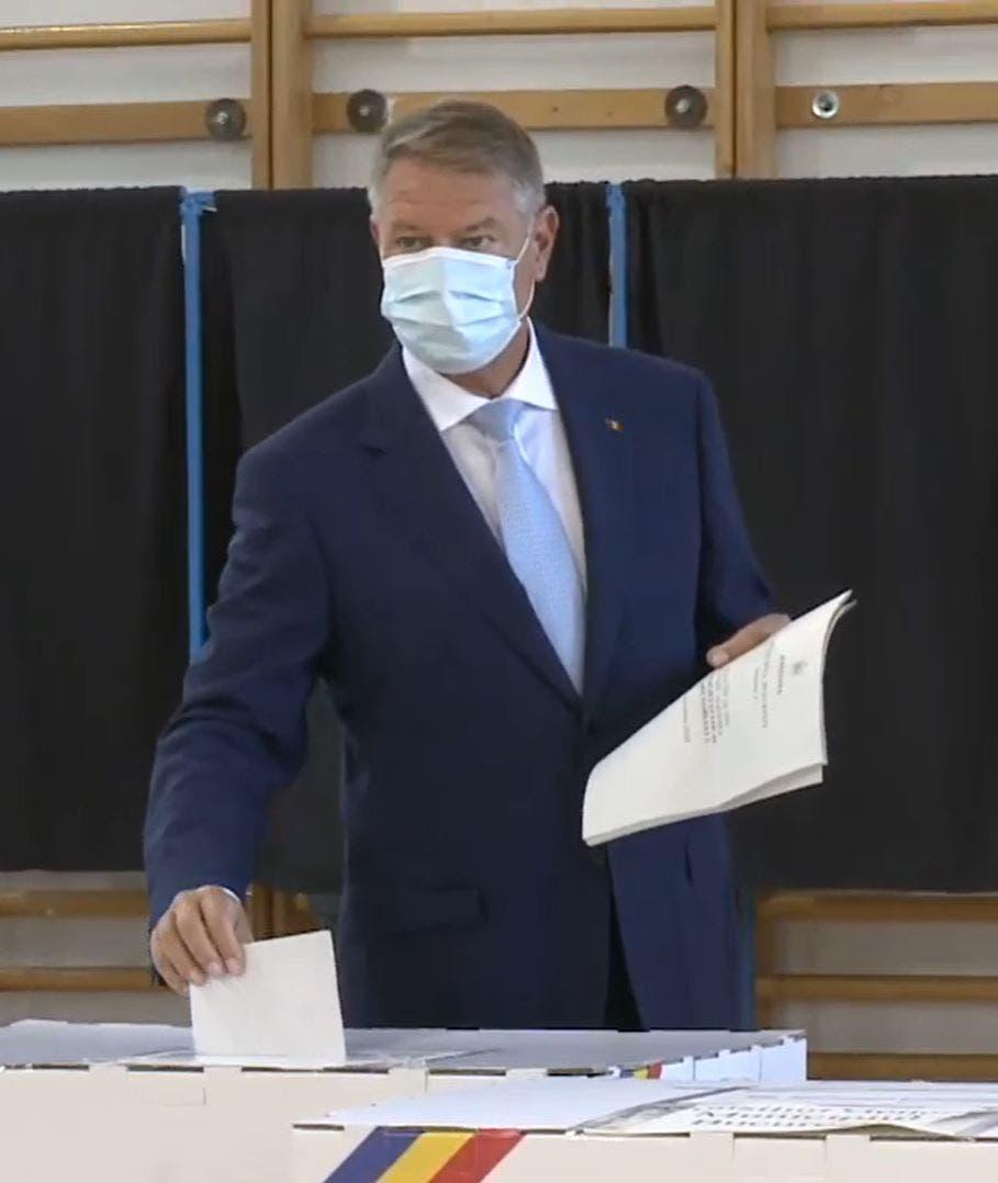 """Klaus Iohannis, ACID în declarație la ieşirea de la urne. Ce le-a zis românilor: """"Nu mai…"""""""