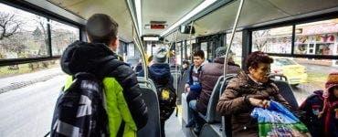 Discuții amuzante în autobuz