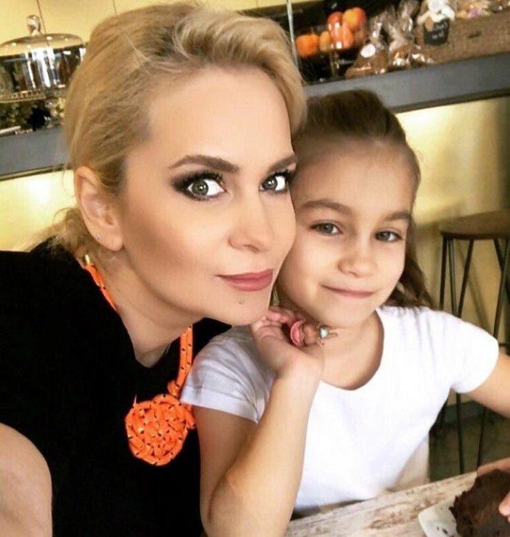 PAULA CHirila si fiica sa
