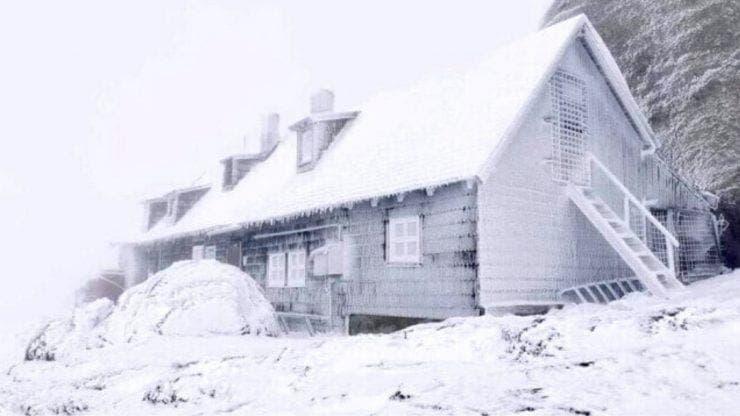 Prima zăpadă din an, în România
