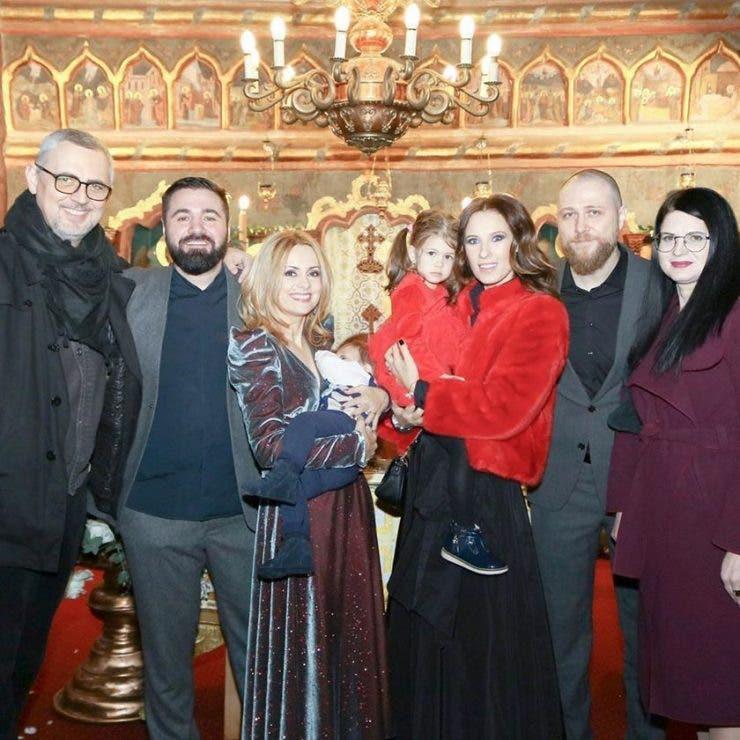 Simona Gherghe si copiii sai
