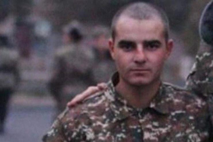 fotbalist mort, Armenia, razboi