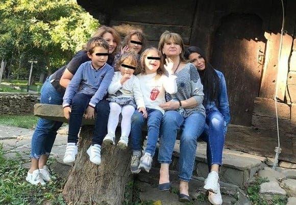 Maria Băsescu cu nepoții