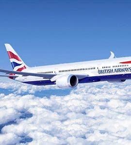 """O stewardesă oferea """"divertisment pentru adulți"""" în timpul zborurilor"""