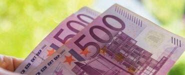 O companie plătește angajaţilor un bonus Covid