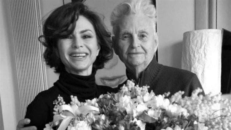 Ramona Bădescu este în doliu