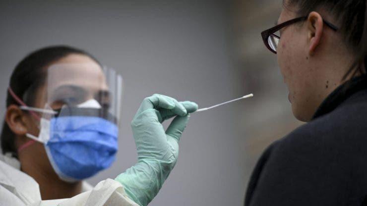 Ministerele fac liste cu angajații care vor să fie vaccinați