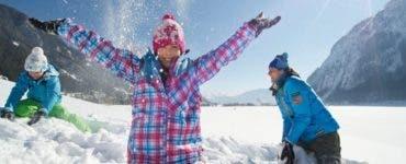 Elevii intră în vacanța de iarnă.