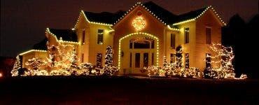 Mesajul primit de la un vecin după ce și-a decorat casa de Crăciun.