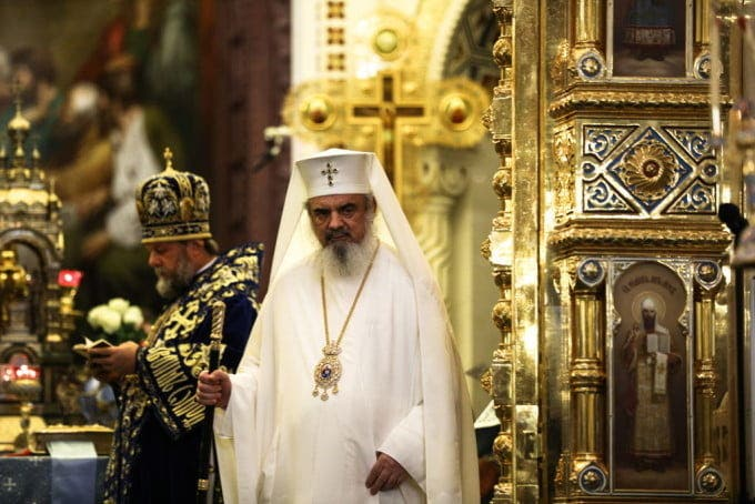 Slujbele religioase se vor desfăşura respectând măsurile de protecţie