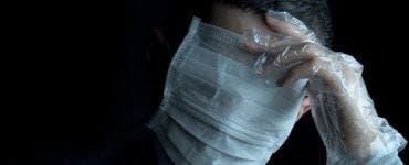 Masca de protecție trebuie purtată și în casă