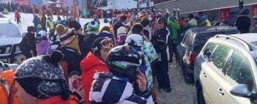 Turiștii au dat buzna în stațiune montane