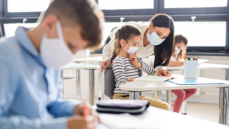 Anul școlar 2021. Elevii vor fi obligați să se vaccineze înainte de redeschiderea școlilor