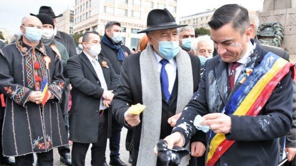 Primarul din Iași, Mihai Chirica, a fost atacat cu iaurt de Ziua Unirii Principatelor Române! Ce reacție a avut edilul