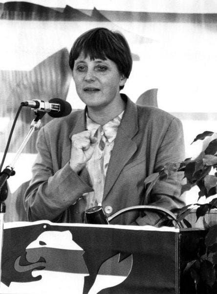 """Viața cancelarului german Angela Merkel! Este mamă vitregă, iar soţul actual e poreclit """"Fantoma de la Operă"""""""