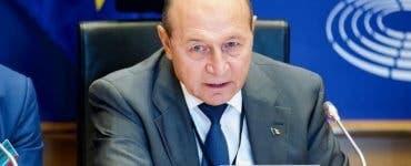"""Traian Băsescu o umilește pe Diana Șoșoacă! """"Ar fi bună de șefă de galerie la Dinamo"""""""