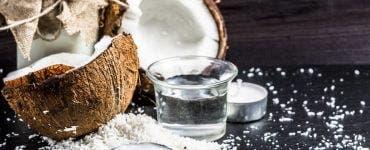 Cum se sparge nuca de cocos