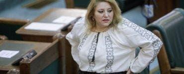 Diana Șoșoacă a rămas fără contul de Facebook.