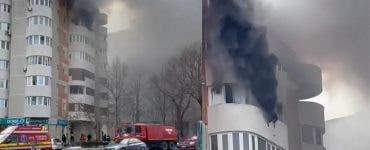 O femeie s-a aruncat de la etajul 6 sub privirile pompierilor veniți să o salveze