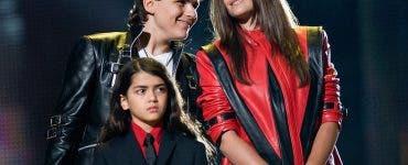 Cum arată acum fiul cel mic al lui Michael Jackson! Tânărul are deja 19 ani